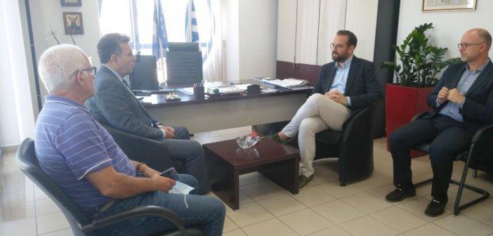 Συνάντηση Νεκτάριου Φαρμάκη με τον Υφυπουργό Τουρισμού Μάνο Κόνσολα (ΦΩΤΟ)