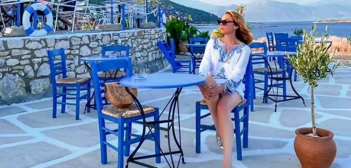 Τατιάνα Στεφανίδου: Απολαμβάνει τις διακοπές της στο Ιόνιο! (ΦΩΤΟ)