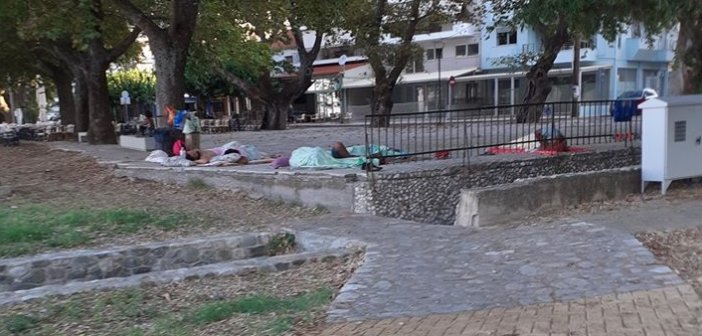 """Ναύπακτος: """"Τριτοκοσμική εικόνα"""" στο Αλσύλλιο Γριμπόβου (ΔΕΙΤΕ ΦΩΤΟ)"""