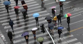 Καιρός: Τοπικές βροχές και καταιγίδες σήμερα – Πού θα «χτυπήσουν»