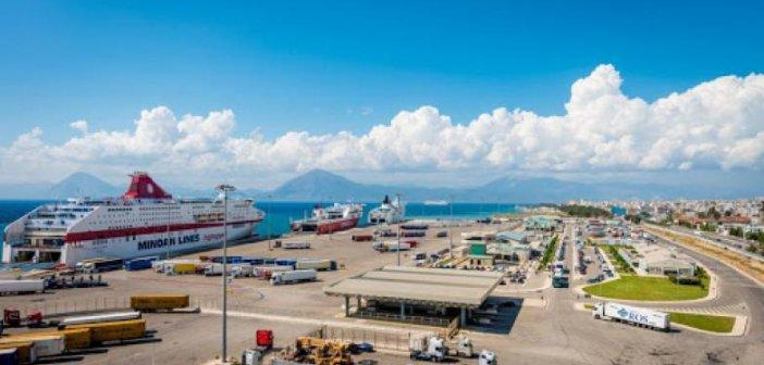 """Λιμάνι Πάτρα: Έρχονται 7 πλοία με πάνω από 1000 επιβάτες – """"Συναγερμός"""" στις αρχές για τον εντοπισμό ενδεχόμενων κρουσμάτων κορονοϊού"""