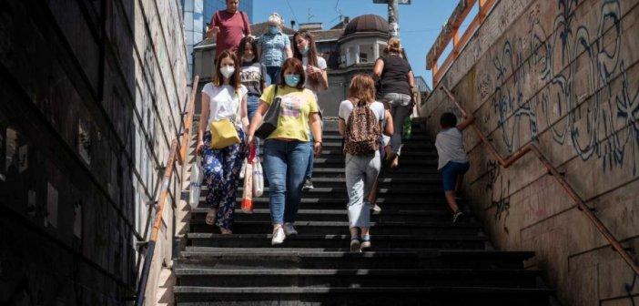 """Κορονοϊός: """"Υποχρεωτικές οι μάσκες στους κλειστούς χώρους"""" – Συναγερμός για τα αυξημένα κρούσματα και τα """"κρυφά"""" πανηγύρια"""