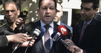Τρία νέα μέτρα για τον κορονοϊό ανακοίνωσε η κυβέρνηση – Μόνο με αρνητικό τεστ η είσοδος στην Ελλάδα