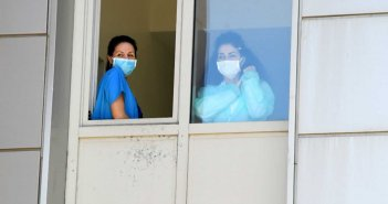 Συναγερμός για κρούσματα κορονοϊού στην Αιδηψό! Τους έστειλαν στο νοσοκομείο με ταξί!