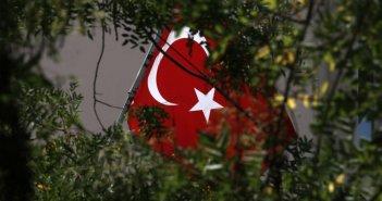 Τουρκία σε Ελλάδα: Να εκδοθούν τώρα οι 8 αξιωματικοί που συμμετείχαν στο πραξικόπημα