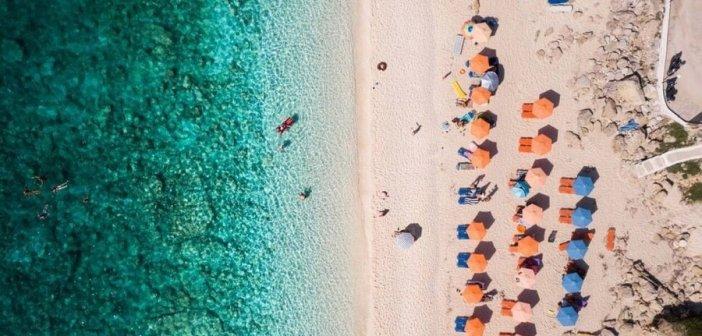 Αυτές οι 12 φωτογραφίες δείχνουν πως η Ελλάδα έχει τις καλύτερες παραλίες του κόσμου