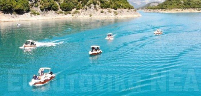 Π.Ε Ευρυτανίας: Καθημερινή περιήγηση με βάρκες στη λίμνη Κρεμαστών τον Αύγουστο – 88.000€ για τον Τουρισμό