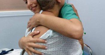 """Δυτική Ελλάδα: Διαγνώστηκε με καρκίνο στην τέταρτη προσπάθεια να κάνει παιδί… Μια συγκλονιστική ιστορία και μια μαία """"βράχος"""" δίπλα της (ΦΩΤΟ)"""