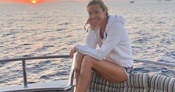 Ιόνιο: Απολαμβάνει το tour η Μαριέττα Χρουσαλά μαζί με την οικογένειά της (ΔΕΙΤΕ ΦΩΤΟ)