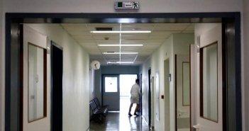 Κρήτη: Τουρίστρια με κορωνοϊό «έκοβε βόλτες» και εντοπίστηκε μετά από 72 ώρες