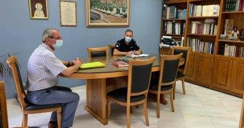 Κορωνοϊός: Σύσκεψη στο Δημαρχείο Θέρμου για την τήρηση των μέτρων προστασίας (ΦΩΤΟ)