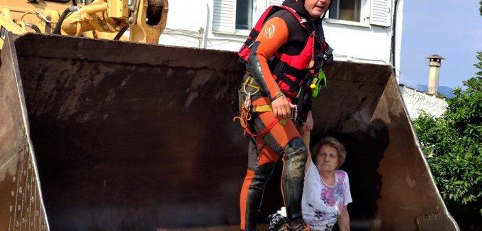 ΕΜΑΚ – Εύβοια: Στα όρια της ανθρώπινης αντοχής – Συγκλονιστικές φώτο από διασώσεις