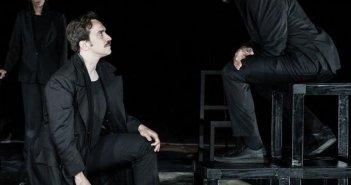 Αντιγόνη του Σοφοκλή στο Αρχαίο Θέατρο Οινιαδών (ΔΕΙΤΕ ΦΩΤΟ)