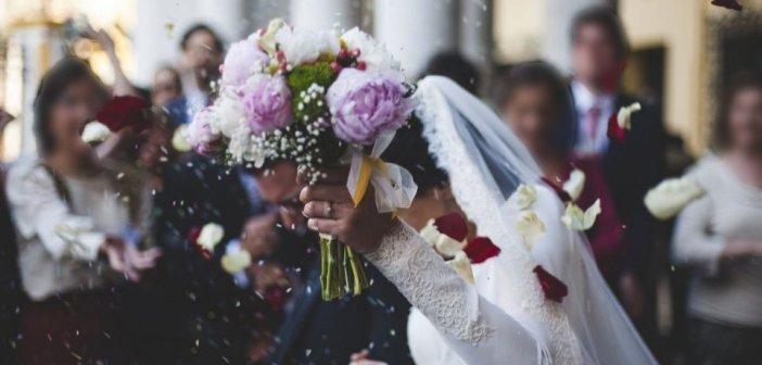 Κορωνοϊός – Θεσσαλονίκη: 16 κρούσματα σε γάμο – «Ούτε καν χαιρετηθήκαμε» λέει ο γαμπρός