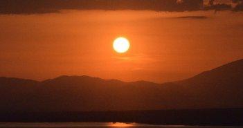 Μοναδικό το χθεσινό ηλιοβασίλεμα από το Πετροχώρι (ΦΩΤΟ + VIDEO)