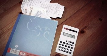 Από τη Δευτέρα η μείωση φόρου προκαταβολής για επιχειρήσεις