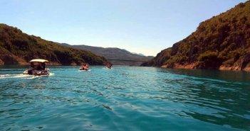 Ξεκινά το πρόγραμμα περιηγήσεων με σκάφος στη Λίμνη Κρεμαστών