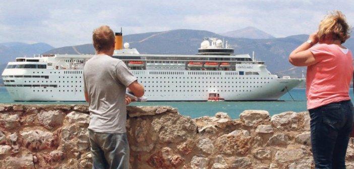 Κορωνοϊός: «Βυθίστηκαν» οι κρουαζιέρες – Η Ελλάδα έχασε 900 εκατ. ευρώ