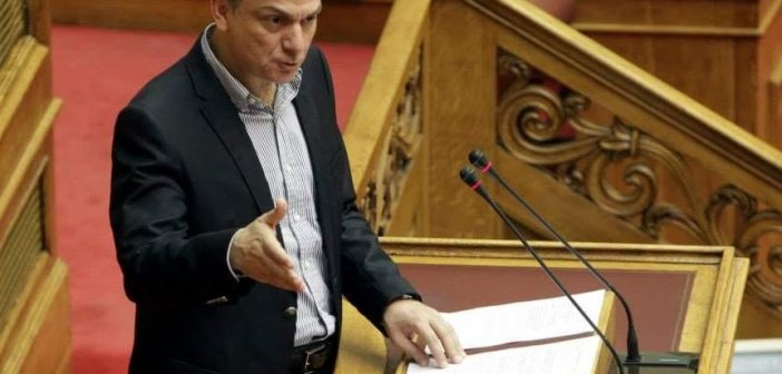 """Θ. Μωραΐτης για την εξωτερική πολιτική της κυβέρνησης: «Η κυβέρνηση εμπαίζει με κάθε ευκαιρία τα εθνικά αισθήματα του λαού, """"ταΐζοντας"""" το ακροδεξιό της ακροατήριο»"""