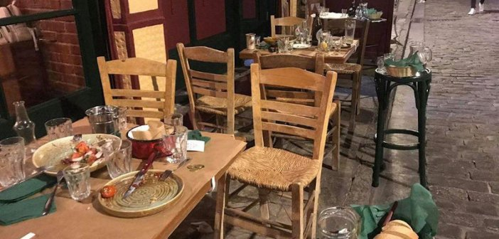 Κορωνοϊός: Κατέβασαν ρολά μπαρ και εστιατόρια στις 12 λόγω των νέων μέτρων (ΔΕΙΤΕ ΦΩΤΟ + VIDEO)