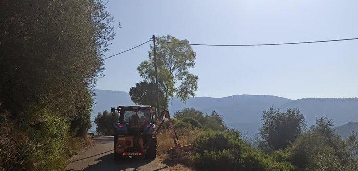 Εργασίες καθαρισμού δρόμων στο Βλοχό (ΦΩΤΟ)