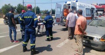 Αγρίνιο: Σφοδρή σύγκρουση οχημάτων στη διασταύρωση Λεπενούς – Δύο τραυματίες (ΔΕΙΤΕ ΦΩΤΟ)