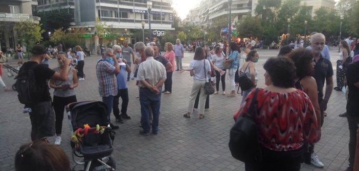 Αγρίνιο: «Στο δρόμο» εκπαιδευτικοί, γονείς και καθαρίστριες για τις ελλείψεις στα σχολεία (VIDEO+ΦΩΤΟ)