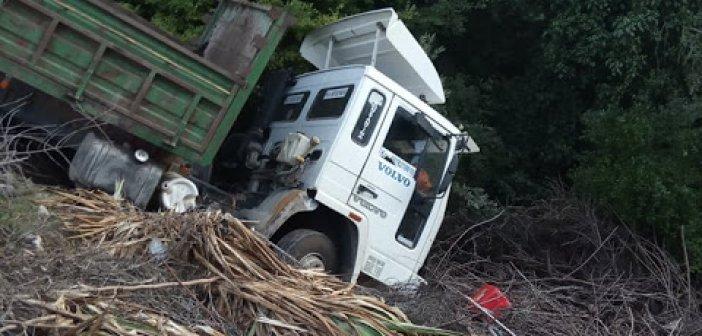 Πρόδρομος : Φορτηγό έφυγε εκτός δρόμου