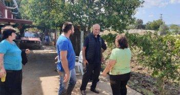 Επίσκεψη Γιώργου Βαρεμένου στους πληγέντες στην περιοχή Στράτου