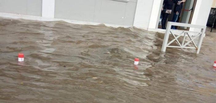 Ιόνιο – Κεφαλονιά: Πλημμύρισε η παραλιακή του Αργοστολίου
