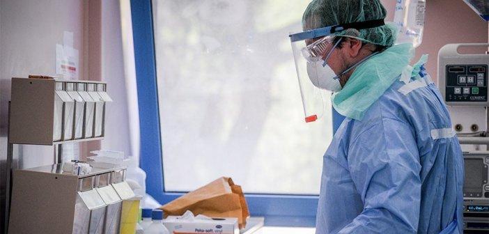 Στους 285 οι νεκροί – Πέθανε 47χρονος χωρίς υποκείμενα νοσήματα