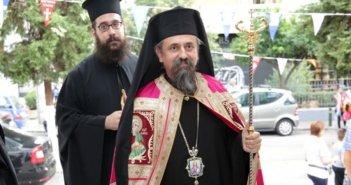 Κοροναϊός: Σάλος με τις δηλώσεις του μητροπολίτη Καρπενησίου – Εικόνες συνωστισμού στις εκκλησίες