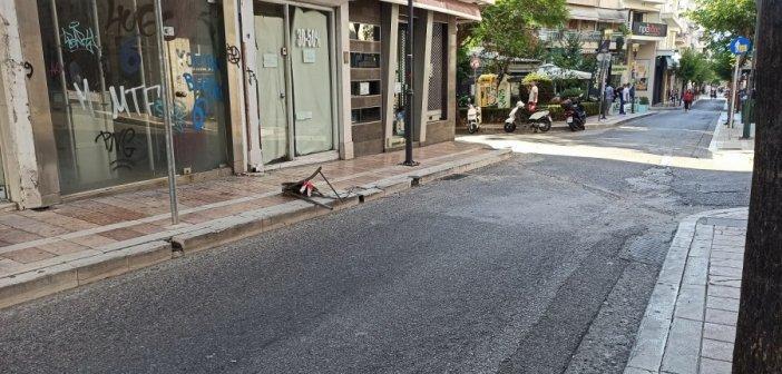 Η μοίρα των προσωρινών εμποδίων στους πεζοδρόμους του Αγρινίου