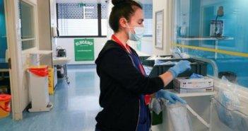 Κορωνοϊός: Δοκιμές εμβολίων σε εθελοντές που θα μολυνθούν εσκεμμένα