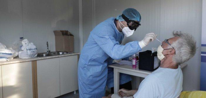 """Κορονοϊός: Συναγερμός για την άφιξη της εποχικής γρίπης που… μπερδεύει – """"Περιμένουμε το τρίτο κύμα"""""""