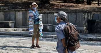Και επίσημα αυτόφωρο για όσους δεν φορούν μάσκα – Παρέμβαση για τους αρνητές