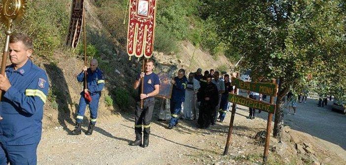 Θεία Λειτουργία προς τιμήν των πυροσβεστών του Αγρινίου στην Ι.Μ. Λυκουρίσσης