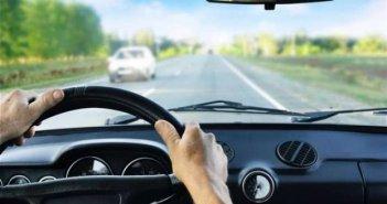 Άδειες οδήγησης: Τι ισχύει τελικά για την οδήγηση μοτοσικλέτας με δίπλωμα αυτοκινήτου