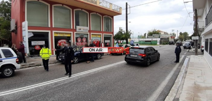 Μεσολόγγι: Έλεγχοι της Αστυνομίας σε οχήματα που έχουν την Ελληνική σημαία (ΦΩΤΟ)