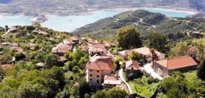 Η άγνωστη πανέμορφη Αράχοβα Ναυπακτίας με θέα την Ευηνολίμνη (ΔΕΙΤΕ VIDEO)