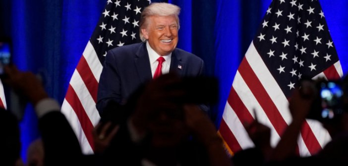 Απίστευτος Τραμπ: «Επανήλθα από τον κορωνοϊό γιατί είμαι ένα τέλειο δείγμα ανθρώπου»!