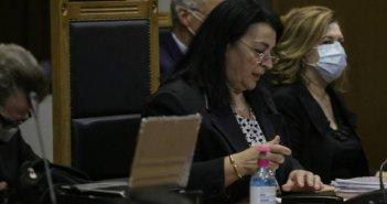 Δίκη Χρυσής Αυγής: Σκληρή στάση της προέδρου απέναντι στην εισαγγελέα – Αμφισβήτησε την επιχειρηματολογία της