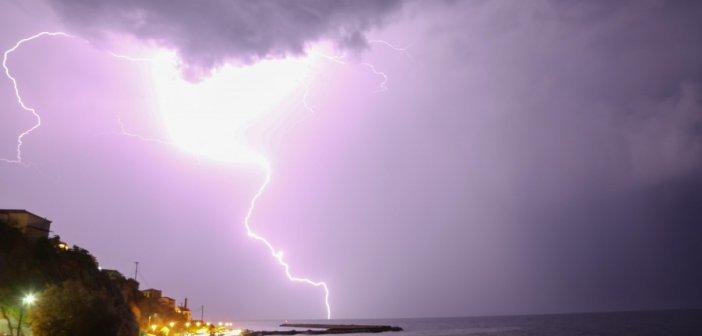 Έκτακτο δελτίο επιδείνωσης του καιρού:  Iσχυρές βροχές και καταιγίδες – Ποιες περιοχές θα επηρεαστούν