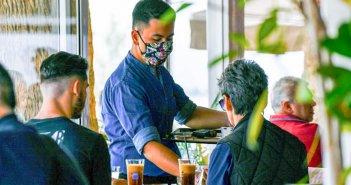 «Μαύρο» καλοκαίρι για το τζίρο – Λιγότερες απώλειες για την εστίαση από τα καταλύματα