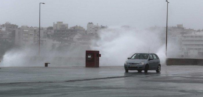 Καιρός σήμερα: Επιδείνωση με βροχές και μπόρες – Που θα ρίξει χαλάζι