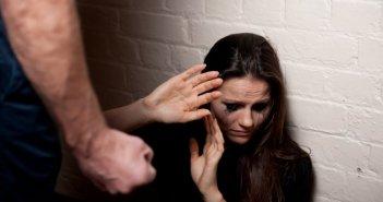 Αγρίνιο: Σύλληψη άνδρα για απειλή,εξύβριση και σωματικές βλάβες