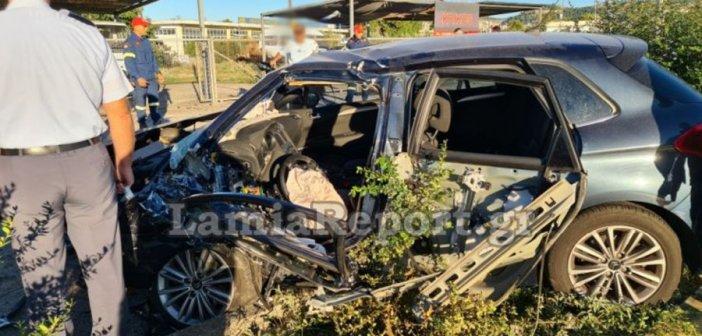 """Λαμία: Τροχαίο με Μητροπολίτη! Τραυματίστηκε σοβαρά – Έγινε """"λιώμα"""" το αυτοκίνητο – (Φωτο+VIDEO)"""