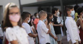 Mask Break: Τι είναι το διάλειμμα μάσκας που ζητάει το υπουργείο Παιδείας για τους μαθητές