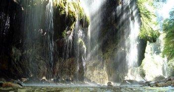 Ευρυτανία:Το εντυπωσιακό φαράγγι Πάντα Βρέχει και το ορεινό πέρασμα της Καλιακούδας(video)