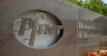 Κορωνοϊός: Ξεκίνησε η μαζική παραγωγή εμβολίων από την Pfizer